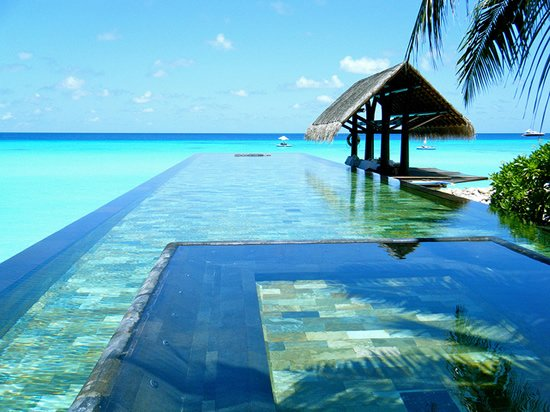 One & Only Reethi Rai Infinity Pool